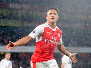Team News: Sanchez starts for Arsenal at Anfield