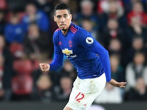 Team News: Smalling in for Bailly