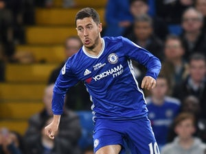 Hazard close to bumper new Chelsea deal?