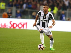 Magpies 'in three-way battle for Sturaro'