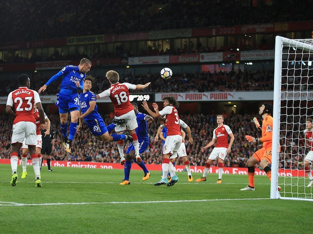 Jamie Vardy scores his side's second during the Premier League game between Arsenal and Leicester City on August 11, 2017