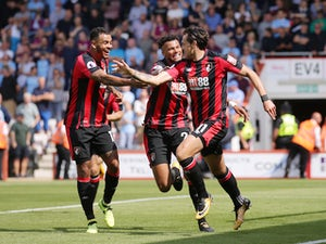 Daniels signs new Bournemouth deal