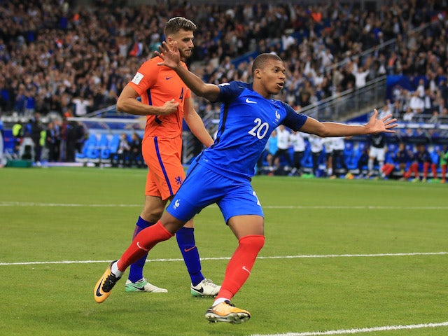 France closing in on World Cup finals spot