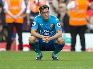 Arsenal 'give up on Mesut Ozil'