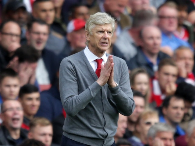 Wenger 'expected game to be postponed'