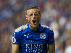 Jamie Vardy reacts to missing a shot during the Premier League game between Leicester City and Chelsea on September 9, 2017