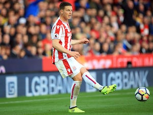 Stoke loan Wimmer to Hannover