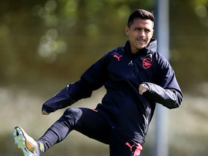 Sanchez 'forced to train with youth team'