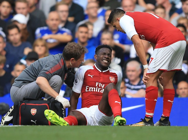 Arsenal duo Shkodran Mustafi, Danny Welbeck in contention for Spurs clash