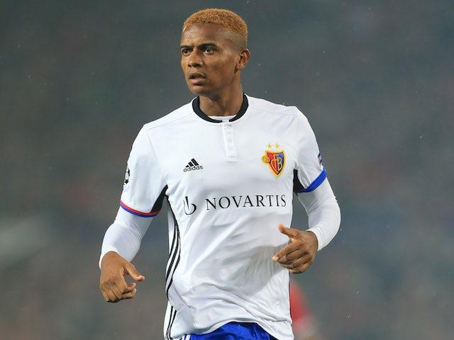 Liverpool to rival Dortmund for Akanji?