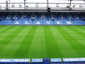 Coronavirus latest: Three Alaves players among 15 to test positive at club