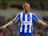 Steve Sidwell in action for Brighton & Hove Albion in the Championship during the 2016-17 campaign