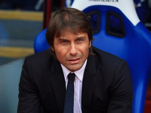 Conte includes Chelsea youngsters in training