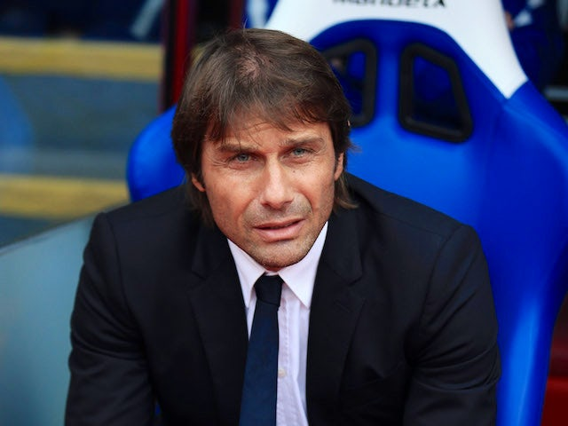 Antonio Conte watches on intently during the Premier League game between Crystal Palace and Chelsea on October 14, 2017