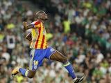Geoffrey Kondogbia celebrates scoring during the La Liga game between Real Betis and Valencia on October 15, 2017