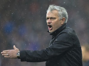 Mourinho unhappy with Arsenal schedule