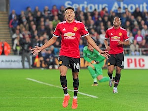 United 'to hand Lingard pay rise'