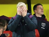 David Moyes plays peekaboo during the Premier League game between Watford and West Ham United on November 19, 2017