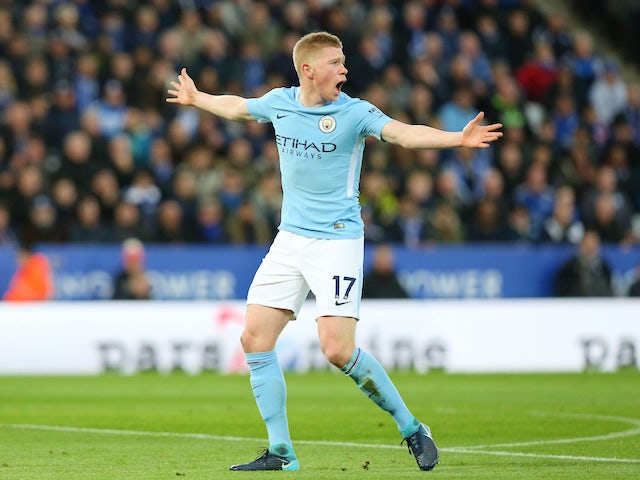 Kevin De Bruyne in action during the Premier League game between Leicester City and Manchester City on November 18, 2017