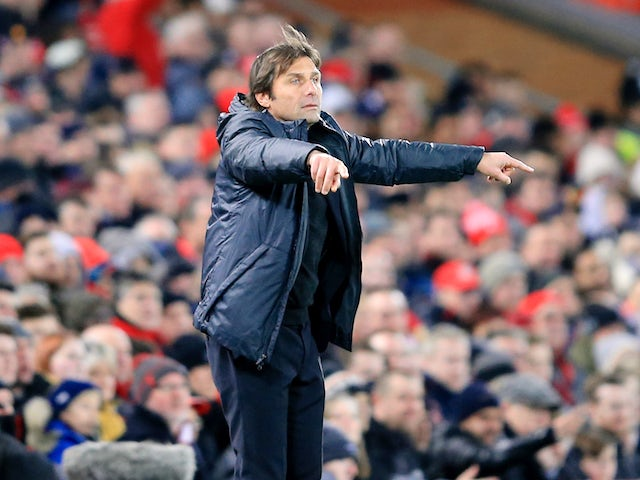 Antonio Conte gives instructions during the Premier League game between Liverpool and Chelsea on November 25, 2017