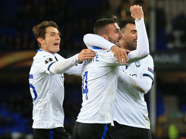 Bryan Cristante celebrates scoring his side's second during the Europa League group game between Everton and Atalanta on November 23, 2017