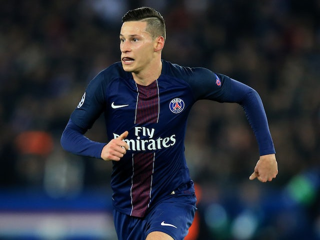 Liverpool considering Draxler loan move