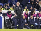 Crystal Palace manager Roy Hodgson shouts during his side's Premier League clash with Brighton & Hove Albion at the Amex Stadium on November 28, 2017