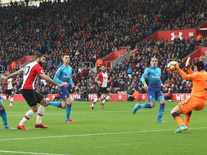 Arsene Wenger hails Arsenal