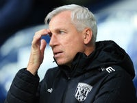 Baggies manager Alan Pardew watches on during the Premier League game between West Bromwich Albion and Manchester United on December 17, 2017