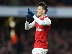 "Wenger ""confident"" of new Ozil deal"