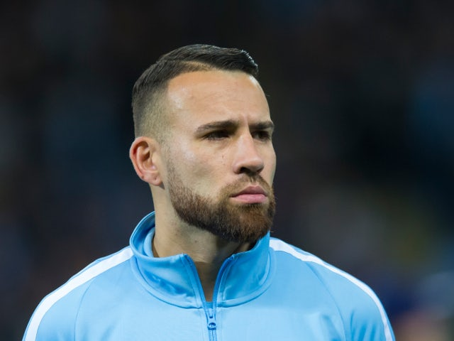 Otamendi extends Man City deal