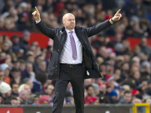 Sean Dyche gives instructions during the Premier League game between Manchester United and Burnley on December 26, 2017