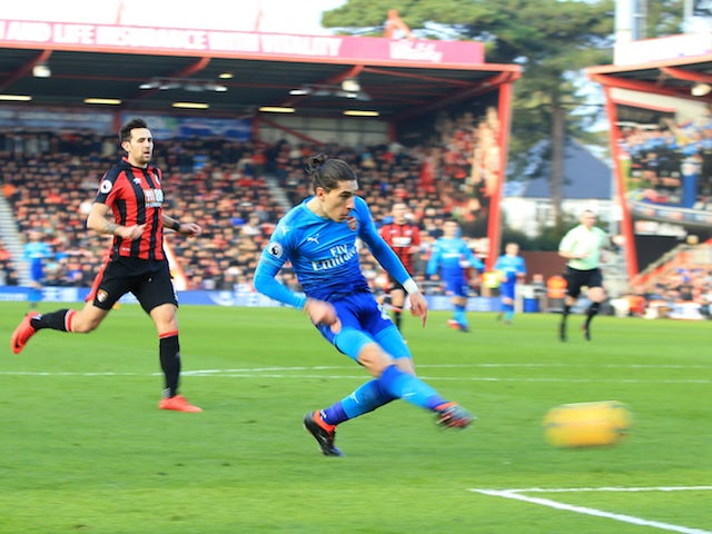 Hector Bellerin scores the opener during the Premier League game between Bournemouth and Arsenal on January 14, 2018