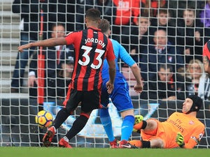"""Howe """"delighted"""" with Bournemouth players"""