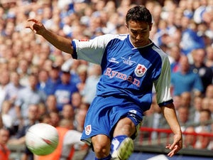 Millwall confirm Tim Cahill return