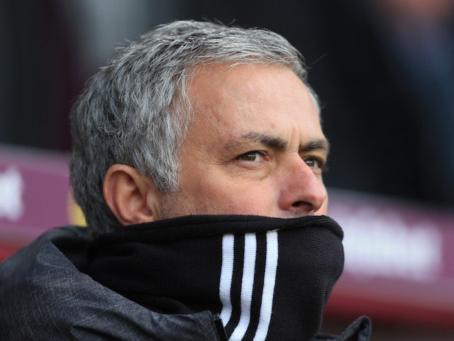 Mourinho'draws up three-man summer shortlist