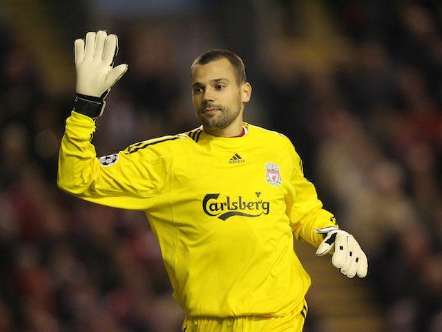 Palace 'in talks for Brazilian keeper'