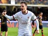 Giacomo Bonaventura celebrates scoring on December 3, 2017