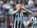 Newcastle United's Jonjo Shelvey celebrates scoring against Leicester City on April 7, 2018