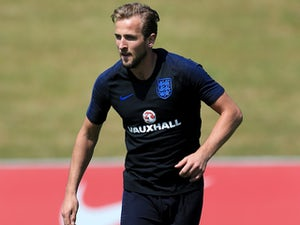 Ardiles tips England to impress at WC