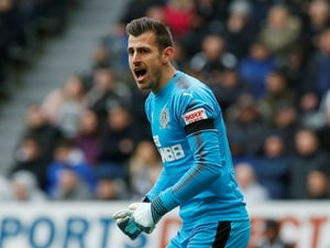 I am not a robot - Newcastle goalkeeper Dubravka