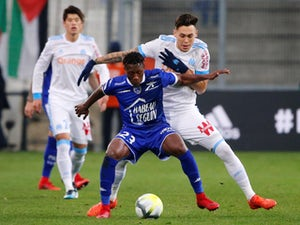 West Brom, Huddersfield want Troyes defender?