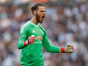 De Gea 'not close to signing new contract'