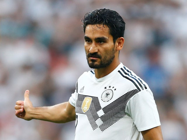 Barca 'eye Gundogan as Iniesta replacement'