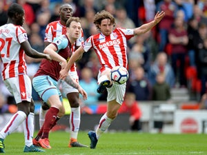 Joe Allen signs Stoke City extension