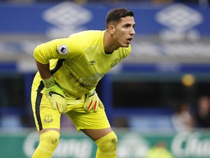 Robles among seven released by Everton