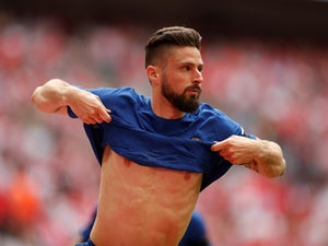 Deschamps plays down Giroud injury fears