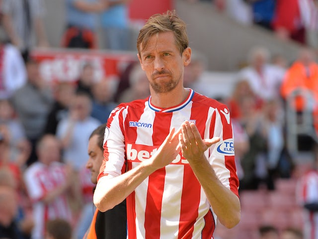 Burnley to make late move for Crouch?