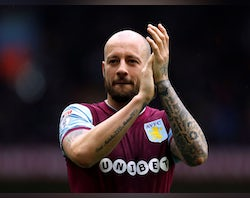 Alan Hutton announces playing retirement, aged 35