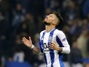 Liverpool 'to trigger Telles release clause'